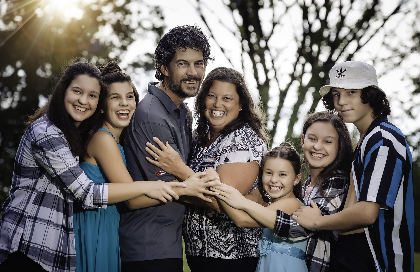 4 Things to Think About When Choosing a Photographer for Your Family Photos